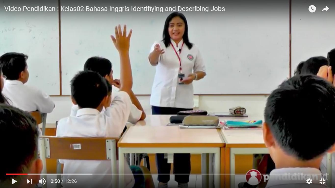 Belajar Kapanpun dan Dimanapun dengan 'Buku Pelajaran Sekolah dalam bentuk  Video,' Senyaman Belajar dengan Guru di Kelas