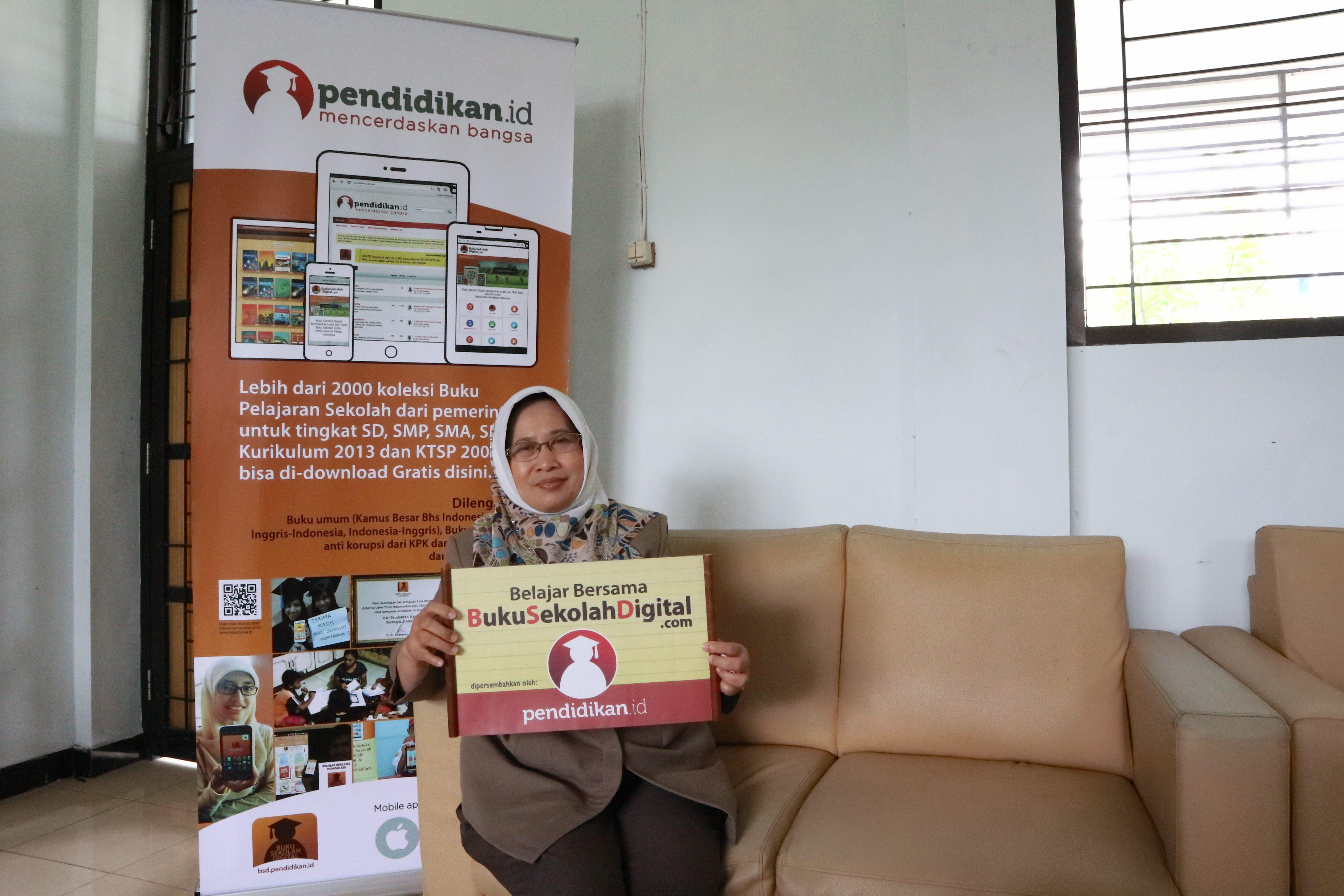 Belajar mengajar efektif di era digitalisasi, salah satunya dengan Video Pendidikan Indonesia dan Buku Sekolah Digital