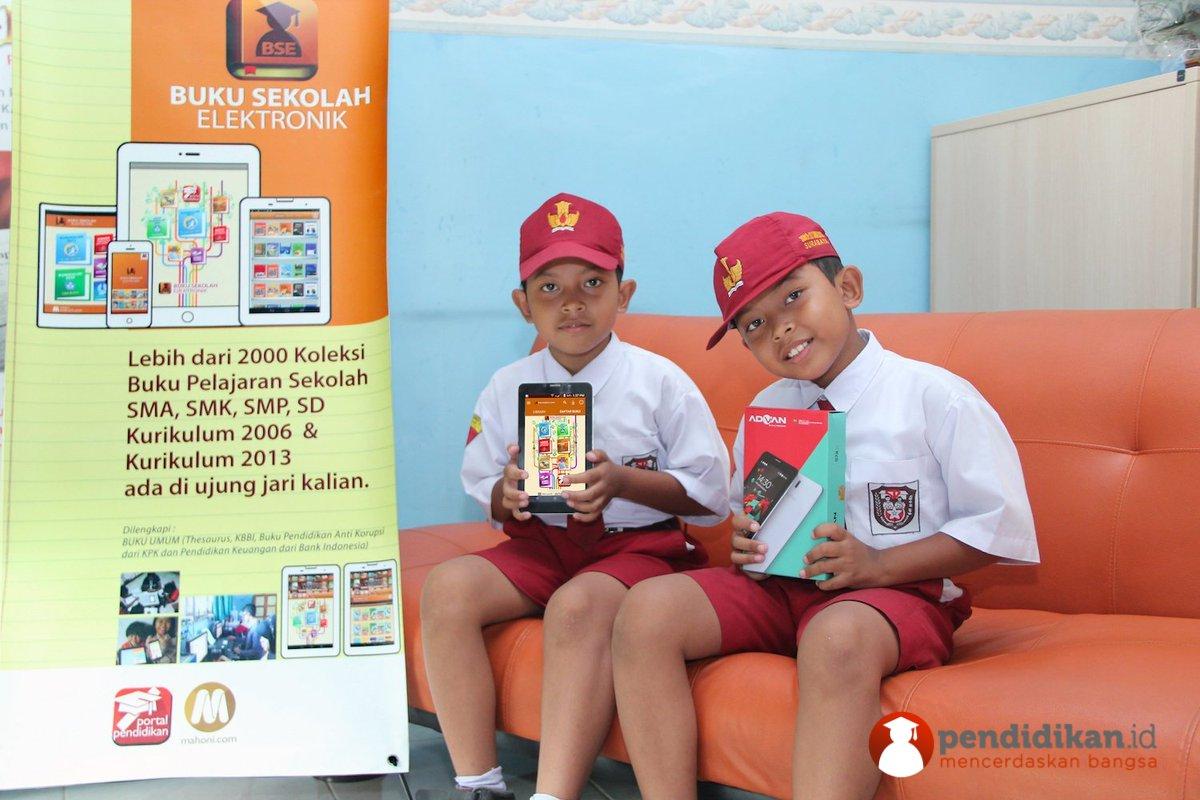 Tablet Gratis, Fasilitasi Alvin dan jutaan Siswa Indonesia untuk Belajar Lebih Mudah, Murah, Praktis