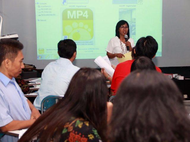 Penggunaan Buku Sekolah Digital di Sekolah, Sebuah Langkah Tepat SMP Kristen Elia dan Alfa Omega Surabaya dalam Memajukan Pendidikan di Indonesia
