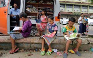 Gerakan Literasi Sekolah, Perpustakaan Keliling, Layanan Baca Masyarakat