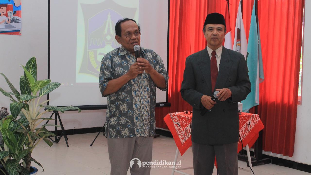 Perjuangkan Pendidikan Tak Kenal Jarak, Kutai Timur Hingga ke Surabaya