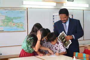 membangun pendidikan karakter siswa di sekolah