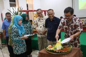 sekolah literasi, buku cerpen karya siswa SMPN 17 surabaya