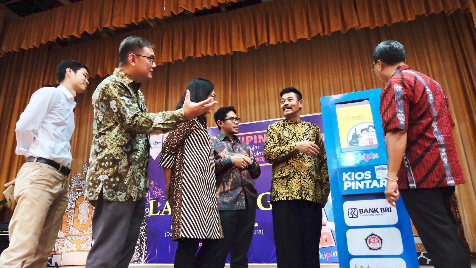 KBRI Singapura Dukung Digitalisasi Pendidikan dengan Meresmikan Pemanfaatan Teknologi Edukasi KIPIN ATM di Sekolah Indonesia Singapura