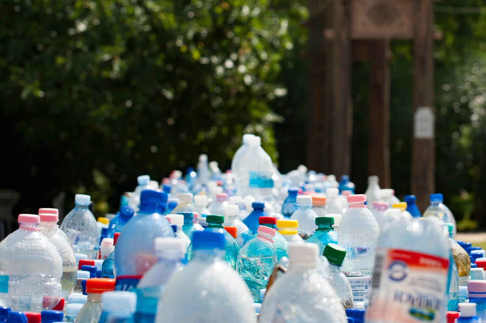 Tanamkan Edukasi Bahaya Plastik Sejak Dini Melalui Bacaan Komik