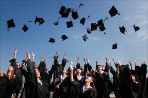 pentingnya pendidikan untuk karir, lanjut sekolah atau bekerja