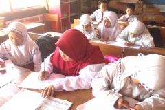 aktifitas-belajar-mengajar-sekolah-dasar