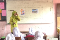 kegiatan-mengajar-dalam-kelas-sd-tritunggal