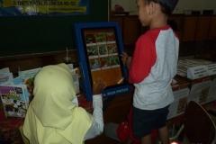 kios-pintar-membantu-pelajar-indonesia-mendapatkan-pembelajaran-tambahan-untuk-meningkatkan-pengetahuan-sekolah08