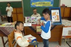 membaca-komik-pendidikan-bacaan-literasi-indonesia02
