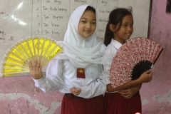 siswa-sd-belajar-tari-tradisional