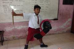 tari-tradisional-dilestarikan-oleh-siswa-sd