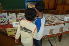 anak-anak-bersama-kios-pintar-pendidikan-digital-indonesia05