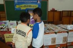 anak-anak-bersama-kios-pintar-pendidikan-digital-indonesia06