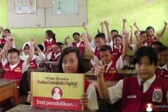 belajar-di-kelas-bersama-buku-sekolah-digital02