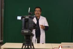 guru-biologi-sma-memproduksi-video-pendidikan11