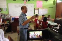 kegiatan-belajar-siswa-SD-surabaya11