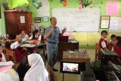 kegiatan-belajar-siswa-SD-surabaya12
