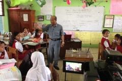 kegiatan-belajar-siswa-SD-surabaya13