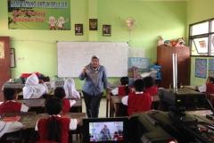 kegiatan-belajar-siswa-SD-surabaya21