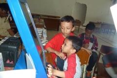 kios-pintar-membantu-pelajar-indonesia-mendapatkan-pembelajaran-tambahan-untuk-meningkatkan-pengetahuan-sekolah05