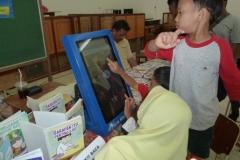 kios-pintar-membantu-pelajar-indonesia-mendapatkan-pembelajaran-tambahan-untuk-meningkatkan-pengetahuan-sekolah11