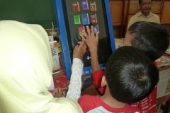 kios-pintar-membantu-pelajar-indonesia-mendapatkan-pembelajaran-tambahan-untuk-meningkatkan-pengetahuan-sekolah12