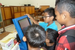 kios-pintar-membantu-pelajar-indonesia-mendapatkan-pembelajaran-tambahan-untuk-meningkatkan-pengetahuan-sekolah22