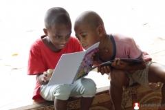 membaca-bersama-komik-literasi-karya-pendidikanid
