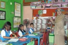 pelajar-tk-membaca-komik-literasi-anak-seri-moral-dan-kesehatan04