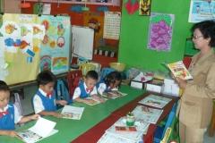 pelajar-tk-membaca-komik-literasi-anak-seri-moral-dan-kesehatan11