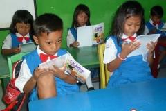 pelajar-tk-membaca-komik-literasi-anak-seri-moral-dan-kesehatan24