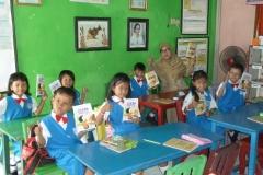 pelajar-tk-membaca-komik-literasi-anak-seri-moral-dan-kesehatan30