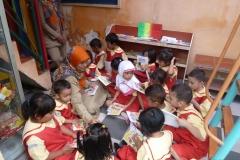 pelajar-tk-membaca-komik-literasi-anak-seri-moral-dan-kesehatan36