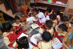 pelajar-tk-membaca-komik-literasi-anak-seri-moral-dan-kesehatan38