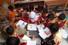 pelajar-tk-membaca-komik-literasi-anak-seri-moral-dan-kesehatan41