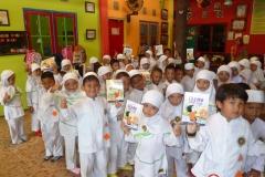 pelajar-tk-membaca-komik-literasi-anak-seri-moral-dan-kesehatan62