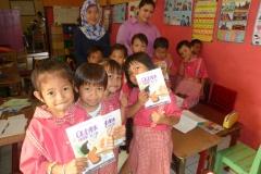 pelajar-tk-membaca-komik-literasi-anak-seri-moral-dan-kesehatan77