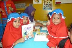 pelajar-tk-membaca-komik-literasi-anak-seri-moral-dan-kesehatan83
