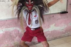 peraga-tari-tradisional-pelajar-sd