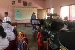 sekolah-dasar-tritunggal-surabaya-belajar-dalam-kelas