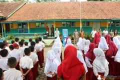 upacara-rutin-anak-sekolah-dasar