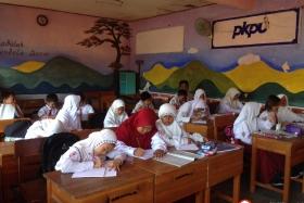 kegiatan-siswa-dalam-kelas